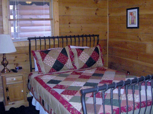Retreat Rental With 2 Bedrooms In Pigeon Forge Sleep 8